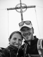 Trotz leichtem Schneefall, glück am Gipfel des Hasenöhrl, 3.257 m
